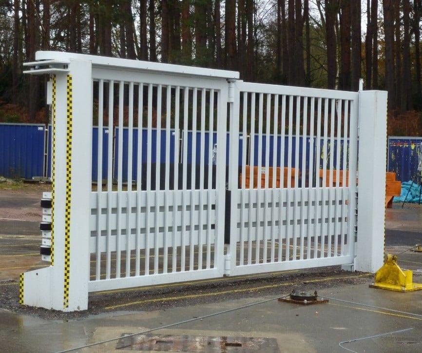 Bi-fold gate B937
