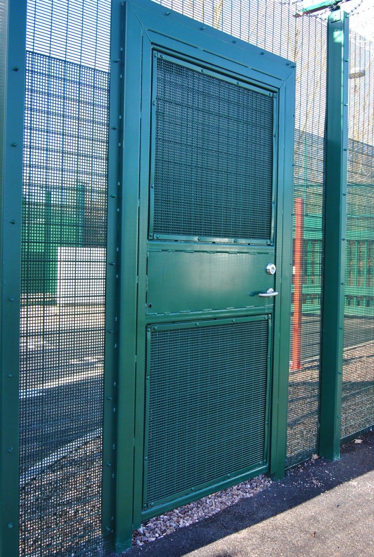 Swing gate B960